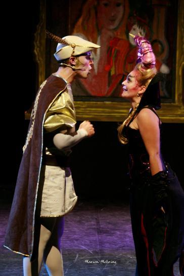 Le Prince (Aurélien Métral) et Carabosse (Emmanuelle Mehring)
