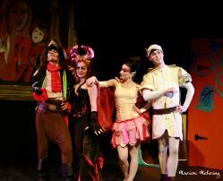 Le Capitaine Crochet (David Bescond), Carabosse (Emmanuelle Mehring), Fée Clochette (Lysiane Clément), Le Prince (Aurélien Métral)