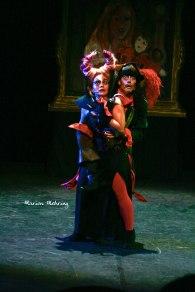 Carabosse (Emmanuelle Mehring) et Le Capitaine Crochet (David Bescond)
